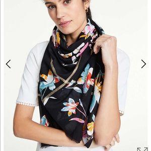 Ann Taylor meadow scarf